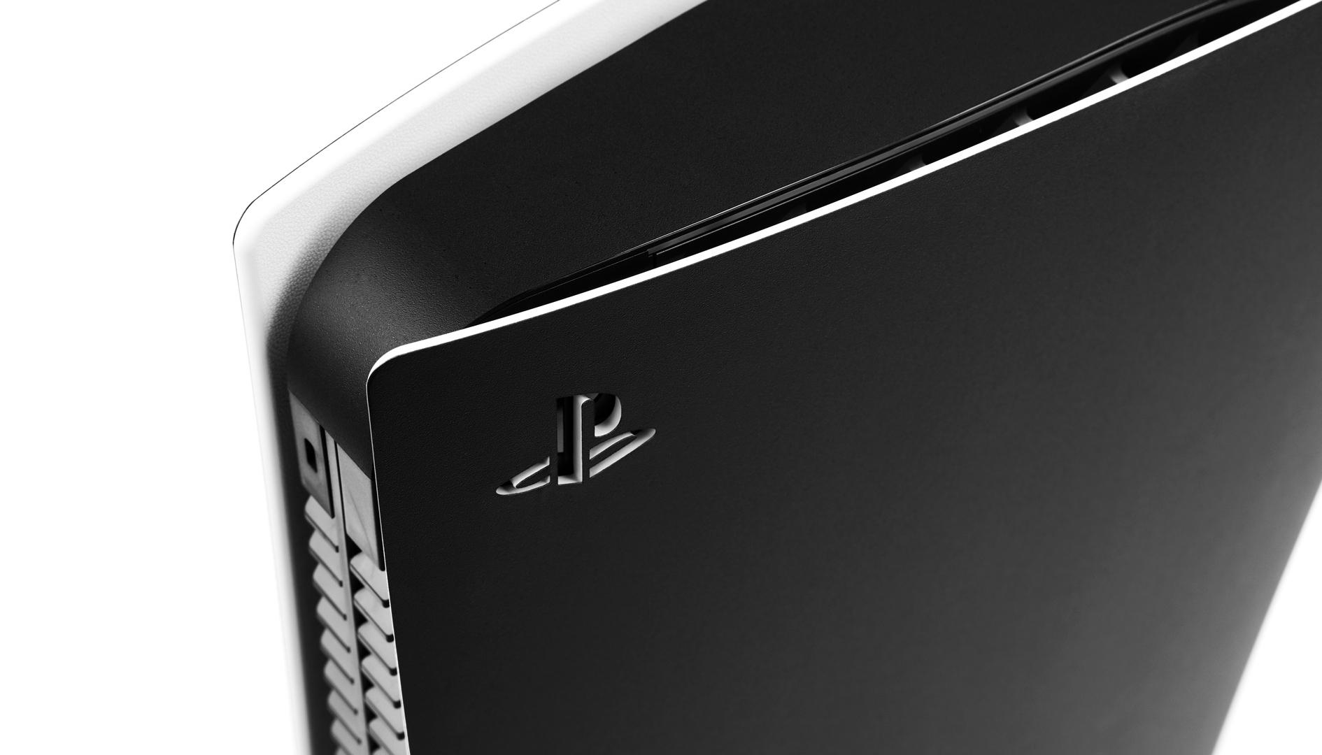 Dbrand sfida Sony e mette in vendita cover nere per PlayStation 5