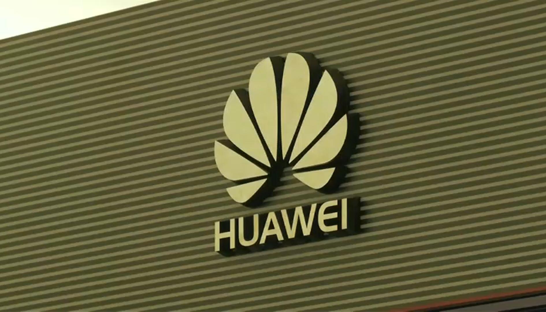 Licenza USA temporanea per Huawei, ma il patron Ren Zhengfei tira dritto