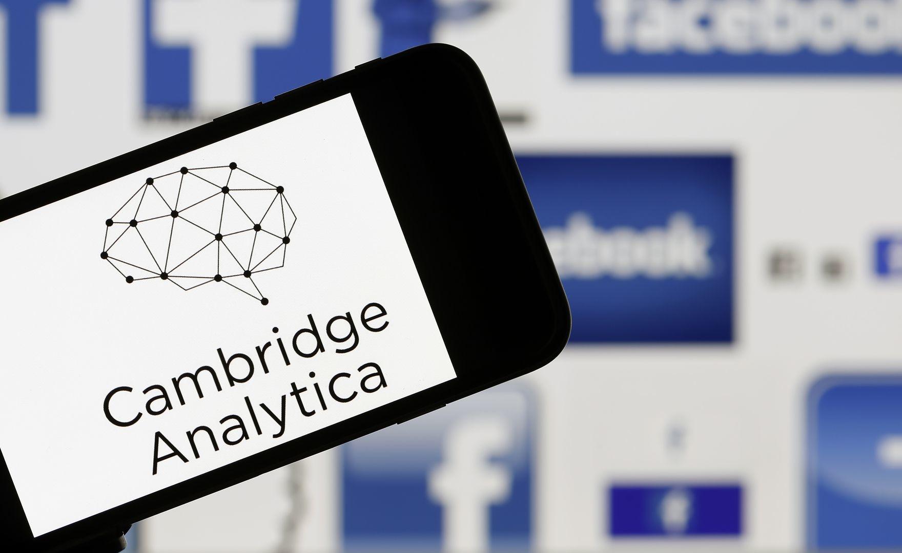 Facebook, arriva il conto per il caso Cambridge Analytica: multa da 5 miliardi di dollari!