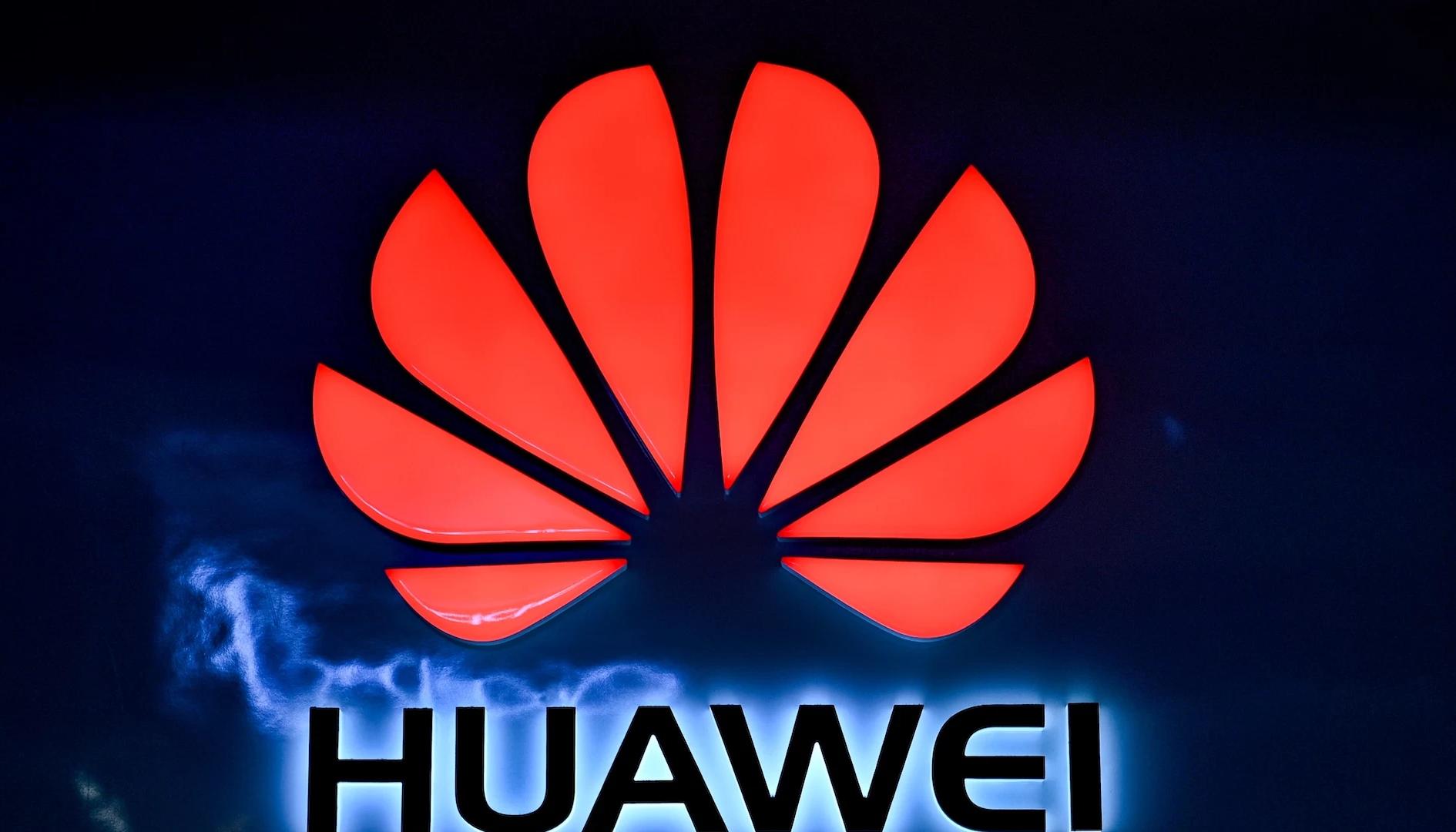Huawei inaugura il suo più grande store europeo e dimostra di essere ancora in pista