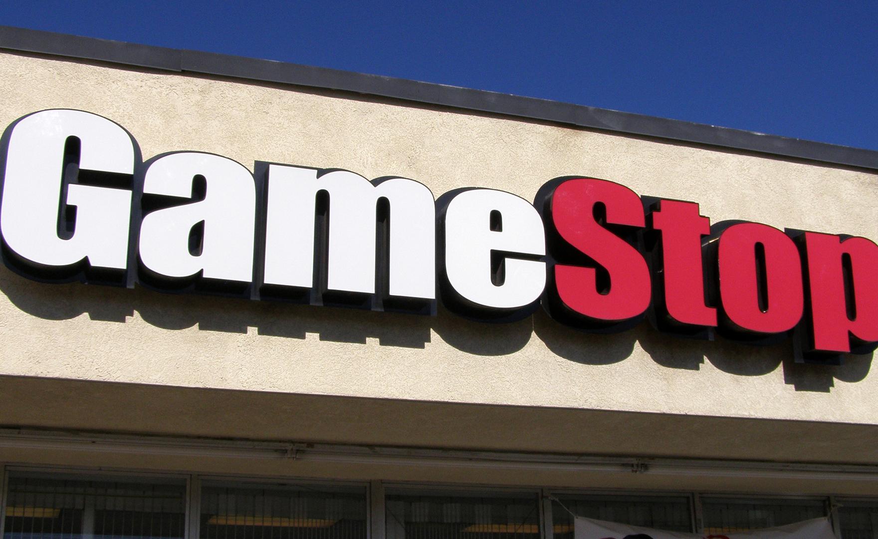 Gamestop licenzia decine di direttori vendite