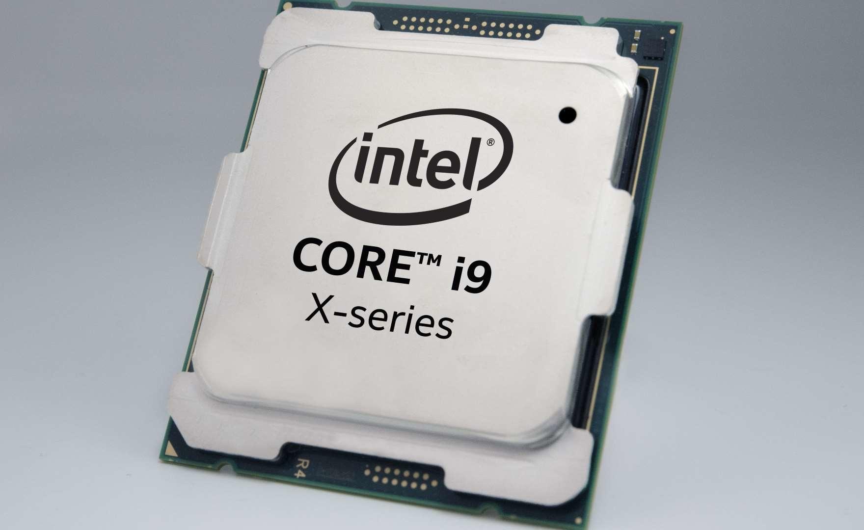 """Intel Core i9-10980XE, 5,1 GHz con 18 core attivi e dissipatore a liquido """"standard"""""""