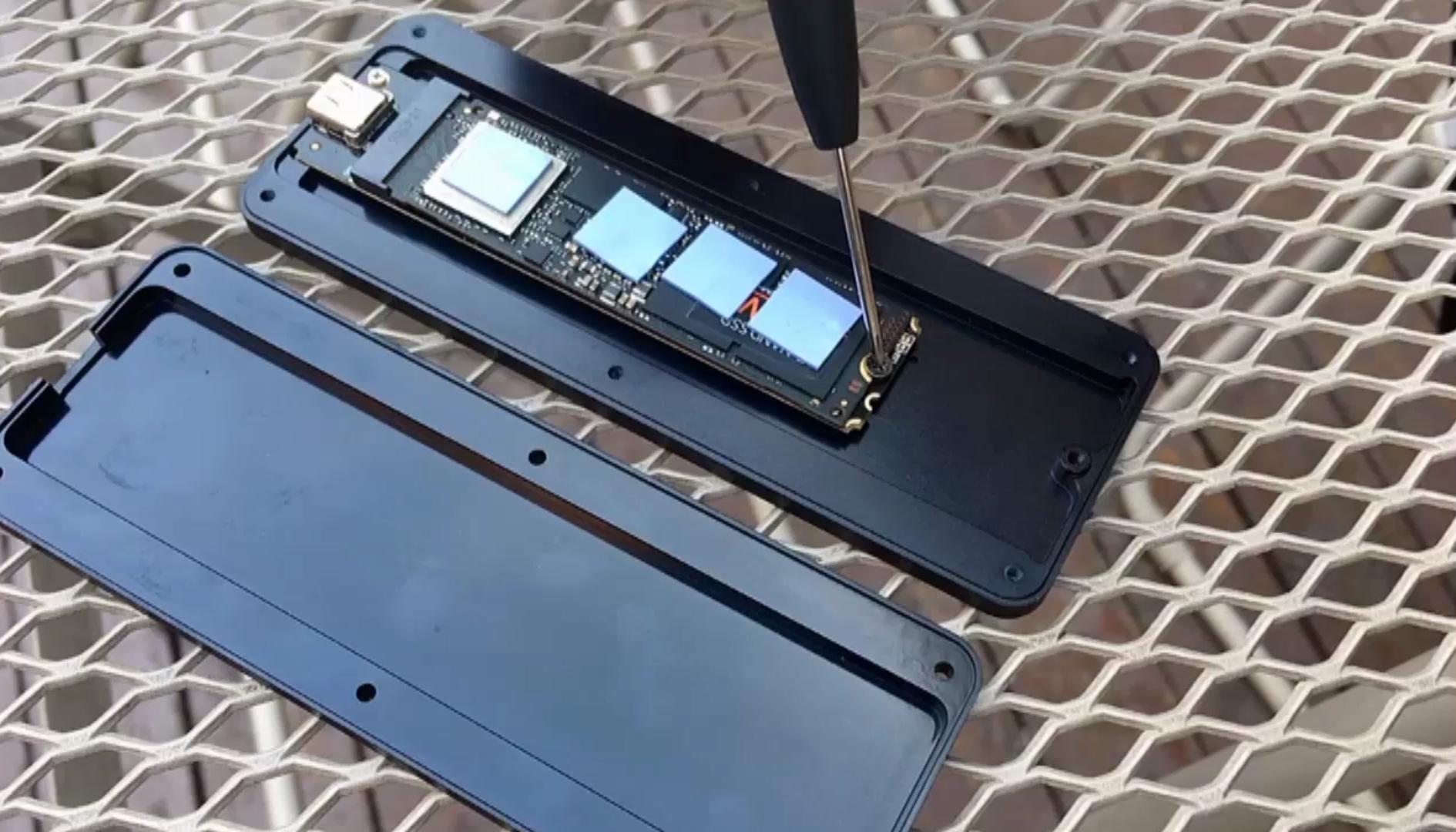 Sabrent lancia il primo SSD esterno da 8TB, tanto spazio e velocità spaventose per i dati